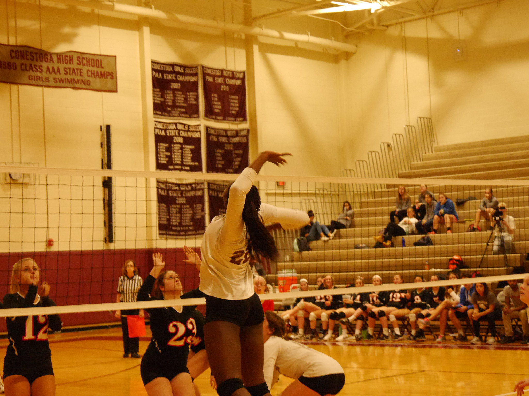 Girls volleyball takes home victory in first District match