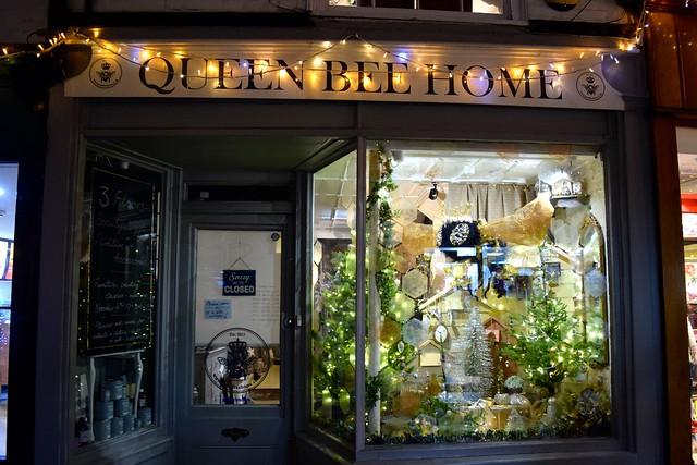 Queen Bee Home Christmas Windows, Canterbury #christmas