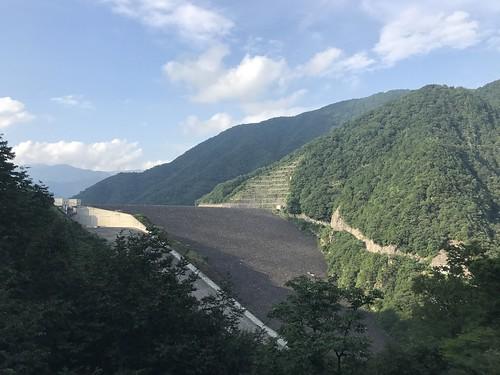 お初の徳山ダム