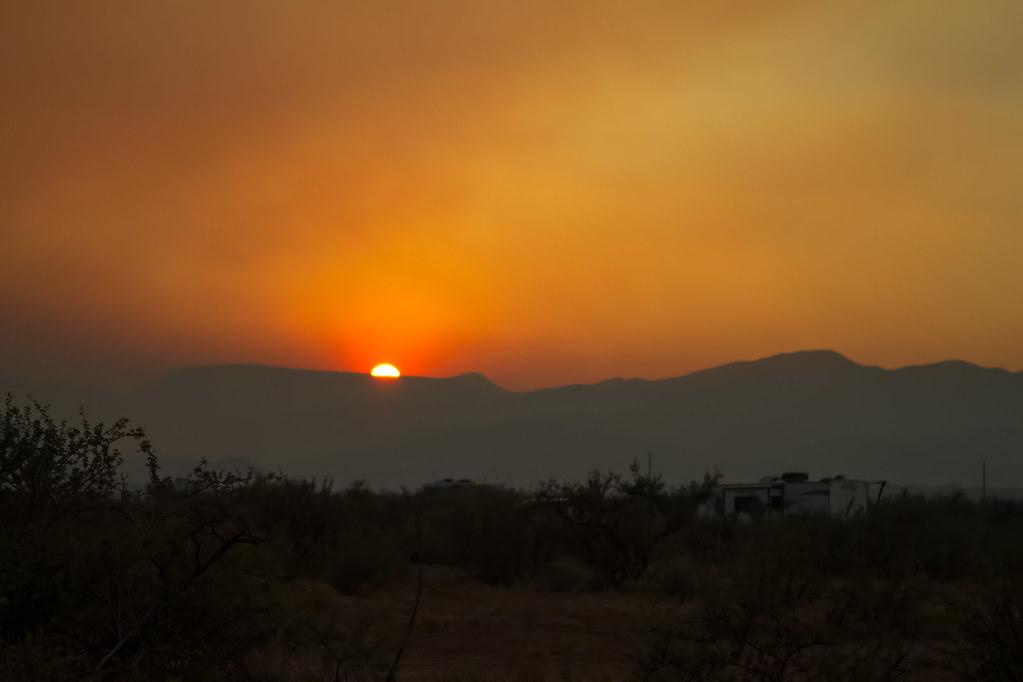 Smoke-Sunset-23-7D1-102417