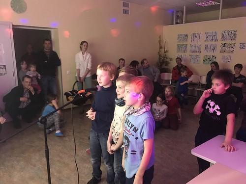 Neljandikud tähistasid isadepäeva klassiõhtuga