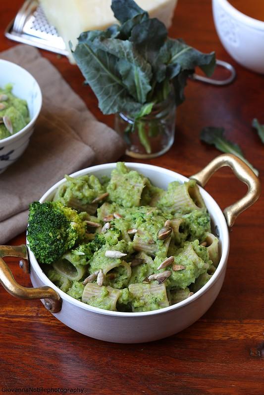 Pasta integrale con crema di broccoli e pecorino 2