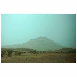 #sahara #marocco #africa #saharadesert #desert #safari #azul #trip #azul #travelgram #blue #magic #travelgirl #photograhy #sony #explorer #happy #merzouga #travel #travelers #adventuresinbabysitting