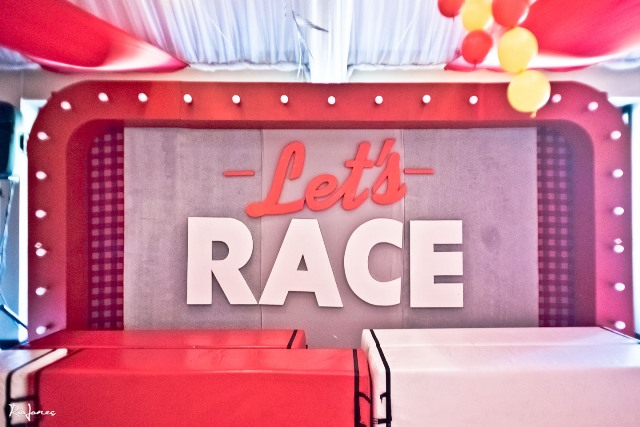 race car theme party main setup (7)