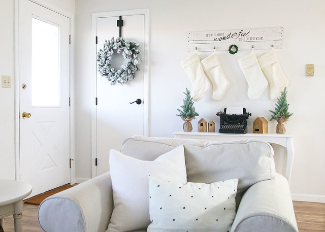 Neutral Farmhouse Christmas Decor