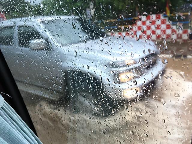 サムイ島脱出の日は大雨!