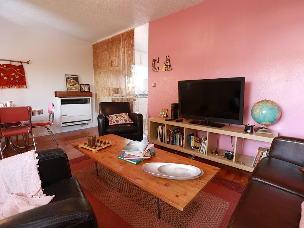 1266 Hyperion Ave,Los Angeles,California 90029,2 Bedrooms Bedrooms,1 BathroomBathrooms,Apartment,Hyperion Ave,6220