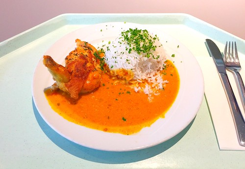 Fried corn poulard with tikka masala sauce & basamti rice / Gebratene Maispoularde in Tikka Masalasauce & Basmatireis