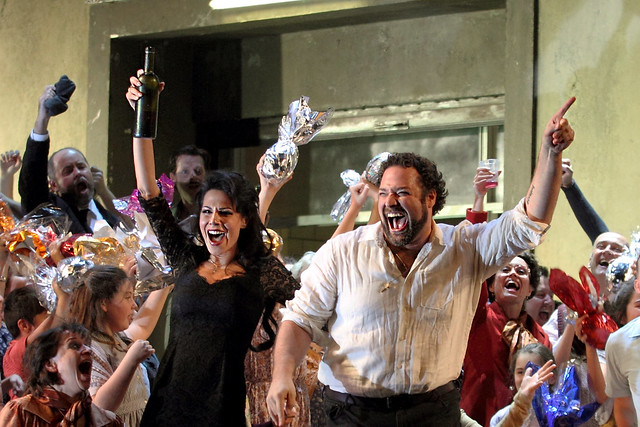 Martina Belli, Bryan Hymel and the Chorus of The Royal Opera in Cavalleria rusticana / Pagliacci. © ROH, 2017. Photographed by Catherine Ashmore