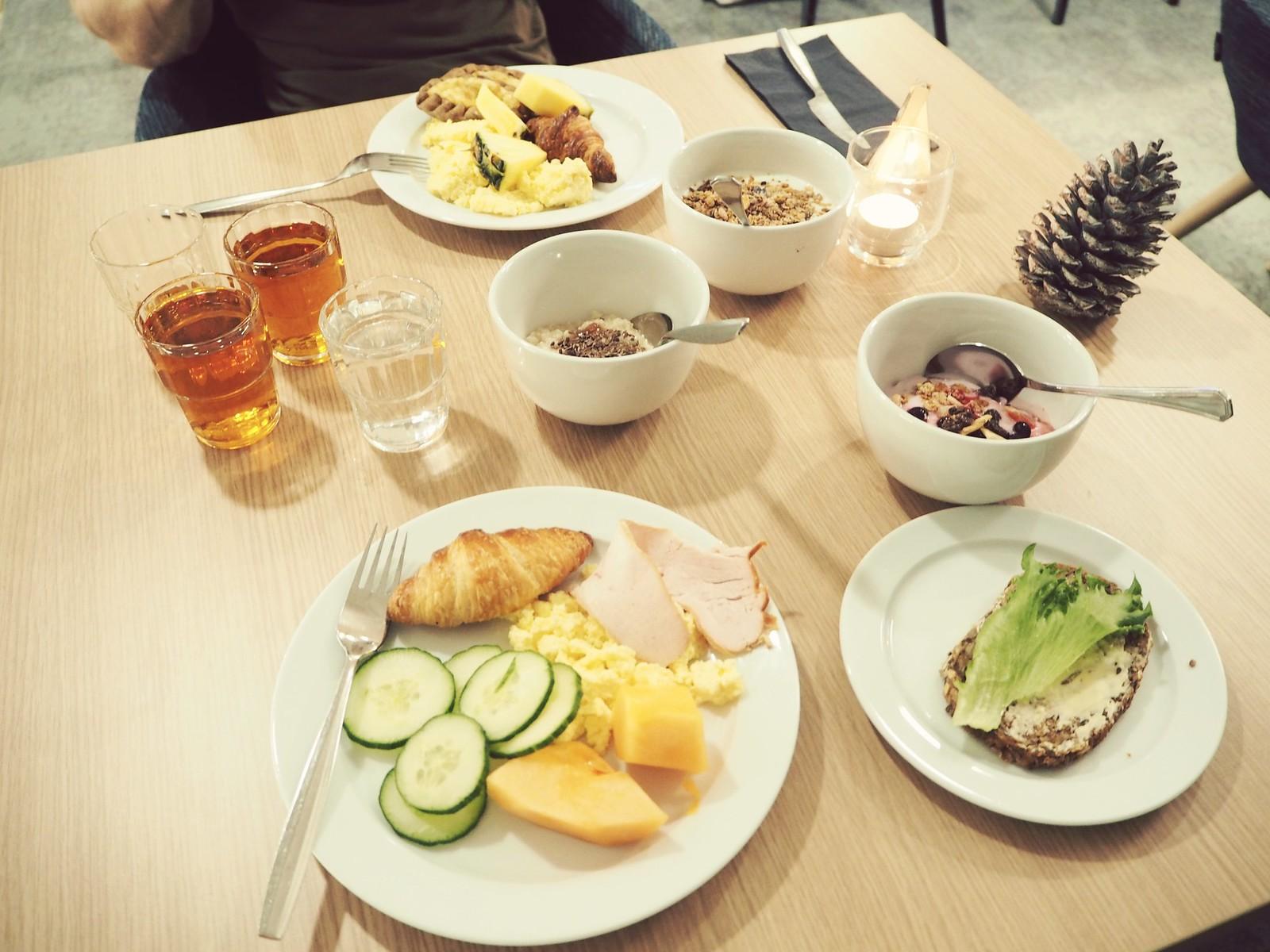 Hotel Sveitsi aamiainen