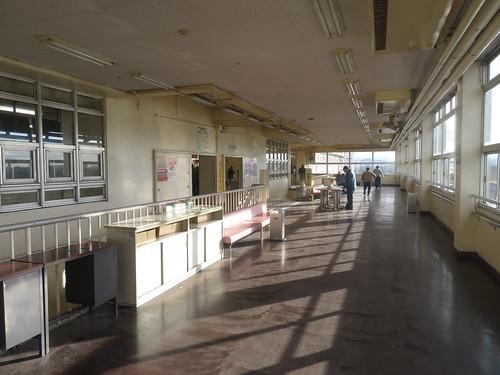 金沢競馬場の3階にあがったところの空間