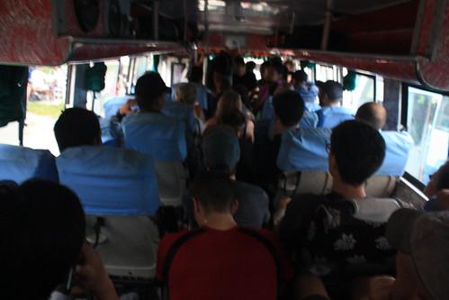 J7 : 27 septembre 2017 : Trajet en bus de Pokhara à Besi Sahar puis Bhulbhule et début du trek jusqu'à Bahundanda