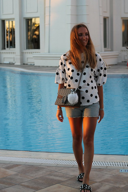 polka-dots-and-dionysus-bag-whole-outfit-walk-wiebkembg