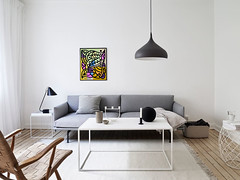 ottograph painting above the sofa nr15