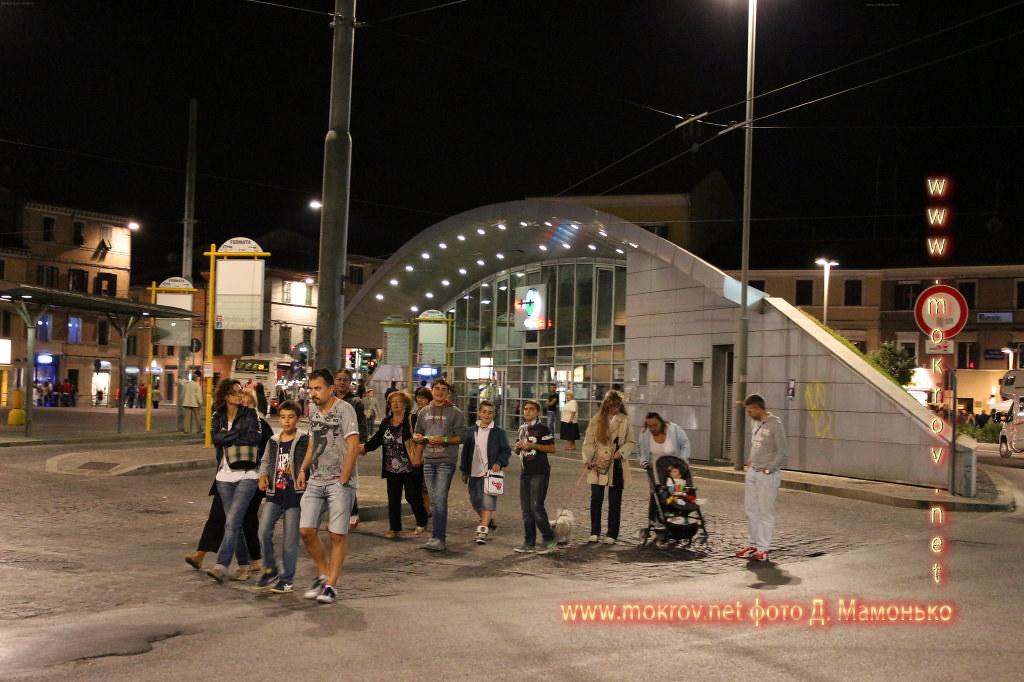 Анкона — город-порт в Италии сделанные как днем, так и вечером