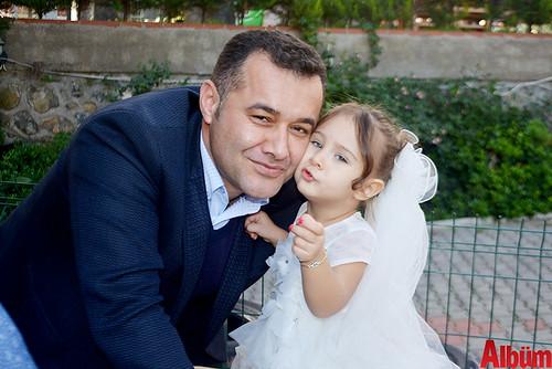 Adem Murat Yücel, Zeynep Yıldız Yücel