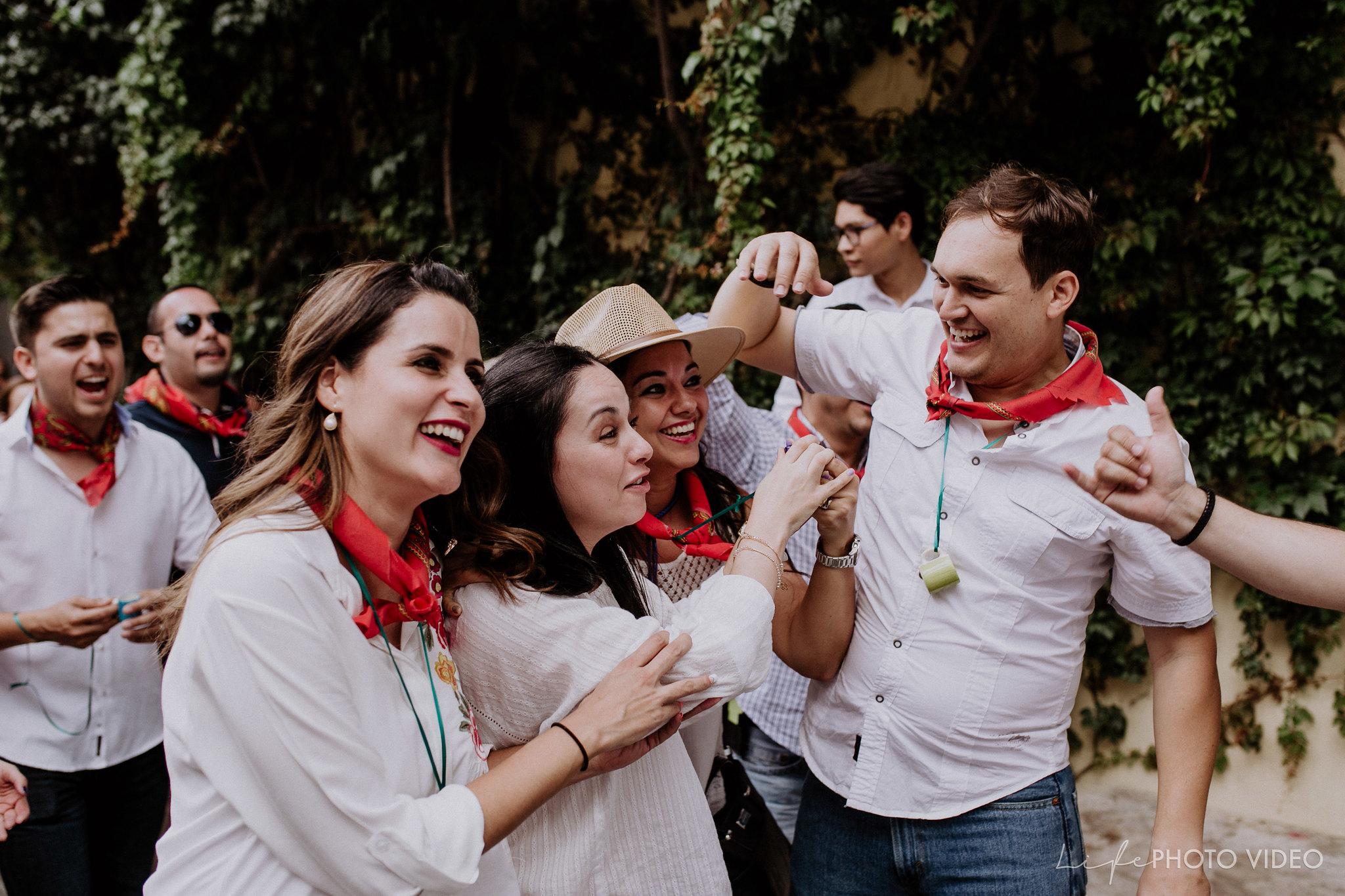 SanMigueldeAllende_Wedding_Callejoneada_Vaquillada_0054