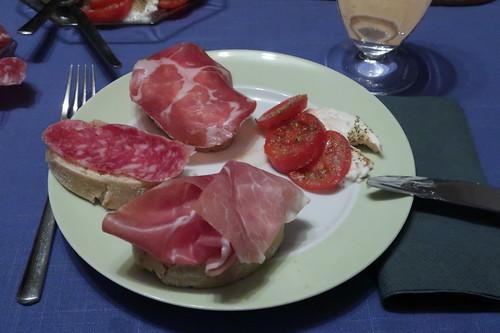 Coppa, Salami Milano und Prosciutto Crudo auf Ciabatta