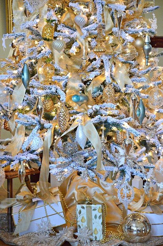 Christmas Tree/Ornaments-Housepitality Designs