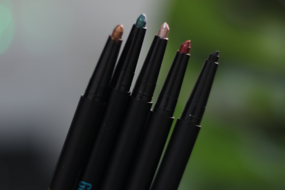 Clio Gelpresso Waterproof Pencil Gel Liner Review and Swatches