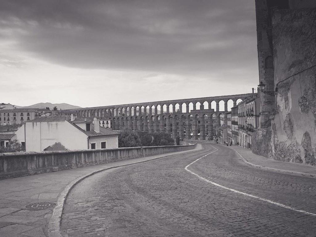Segovia en blanco y negro. #b&w #summer2017 #Olympus #olympusomd10markii #photography #segovia