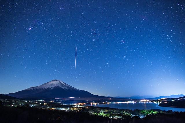 Geminids 2017 - Mt.Fuji, Nikon D810A, AF-S Nikkor 24mm f/1.4G ED
