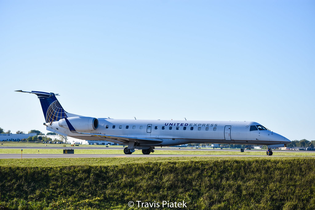 commutair embraer erj 145xr n11199 buffalo niagara