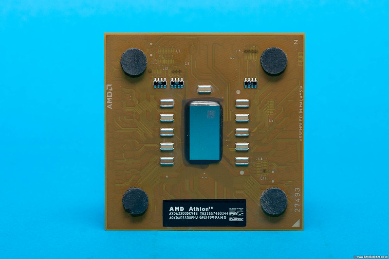 Front AMD Athlon 3200 Chip from 1999