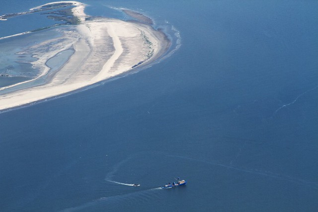 a menhaden boat working off new islands IMG_9694