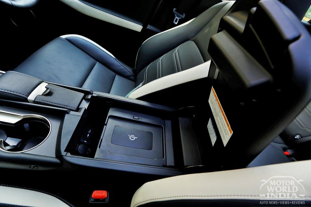 Lexus-NX300h-Interior (20)