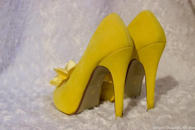 Korkeakorkoiset kengät
