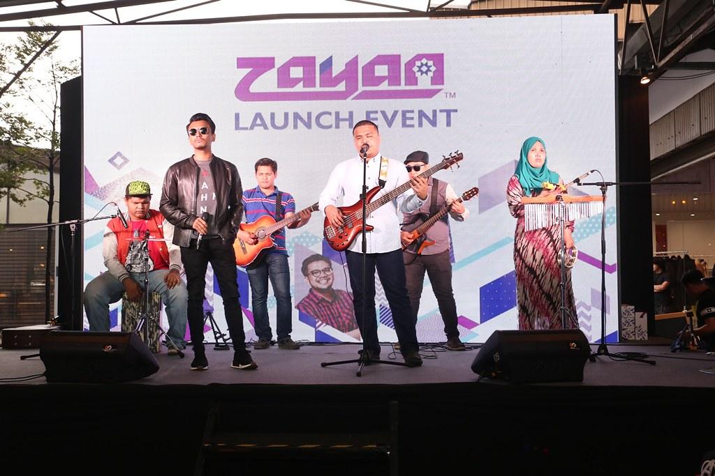 Caliph Buskers Antara Yang Membuat Persembahan Ketika Di Zayan Launch Event