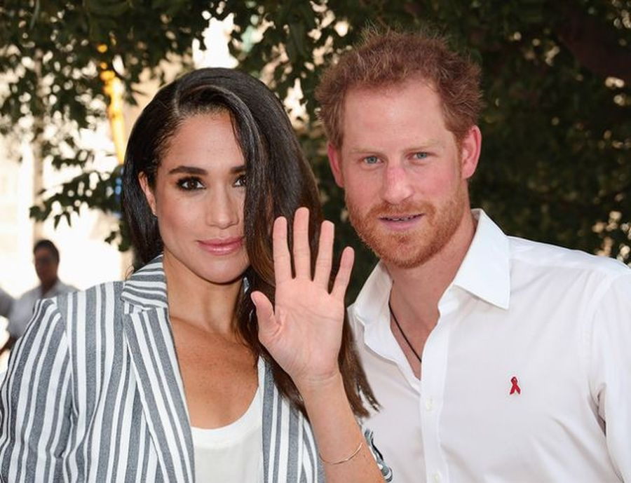 Меган Маркл і принц Гаррі стали жити разом. Як королева це допустила?