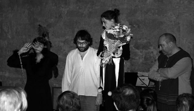 TIRANDO DEL HILO - GUADALUPE DÍEZ & VÍCTOR M. DÍEZ & RODRIGO MARTÍNEZ - UROGALLO, II FESTIVAL DE POESÍA EXPANDIDA - PALACIO DEL CONDE LUNA 27.10.17
