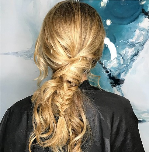 #fun #textured #ponytail by Sam @samanthasteck_