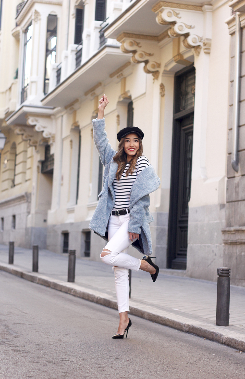 blue fur coat stripes white ripped jeans givenchy bag navy cap fall outfit street style08