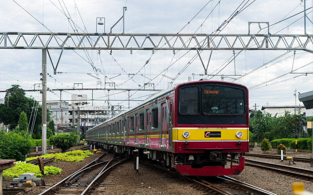 JR 205-0 ( 205-42) ;Blue Line ( Cikarang) ;Jatinegara