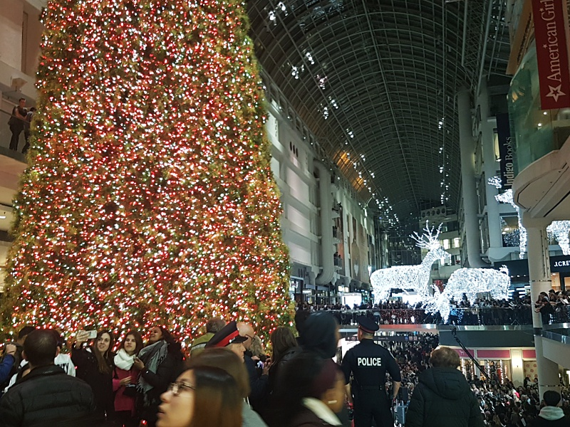 eaton centre Christmas tree