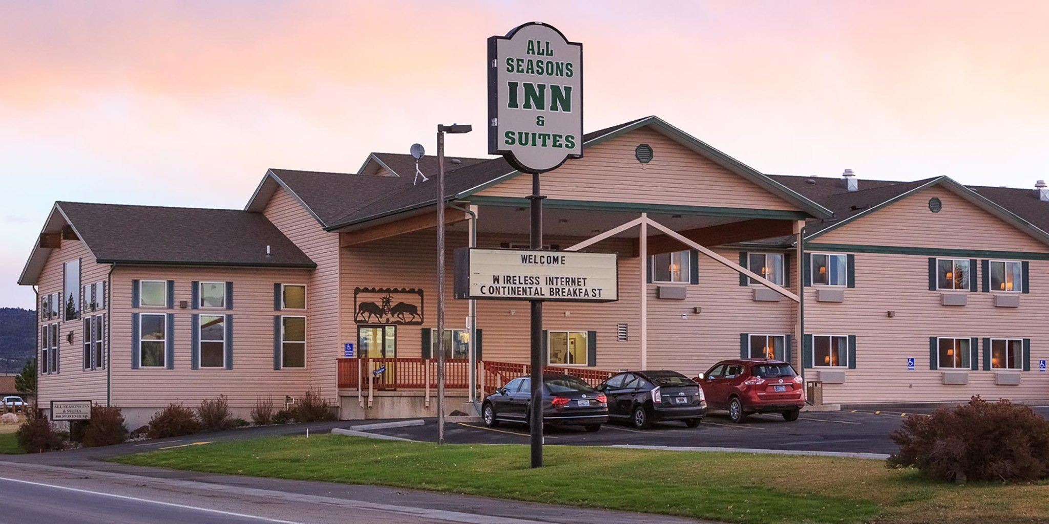 A welcoming hotel with a hot tub located in White Sulphur Springs, Montana on Highway 89 in Meagher County.