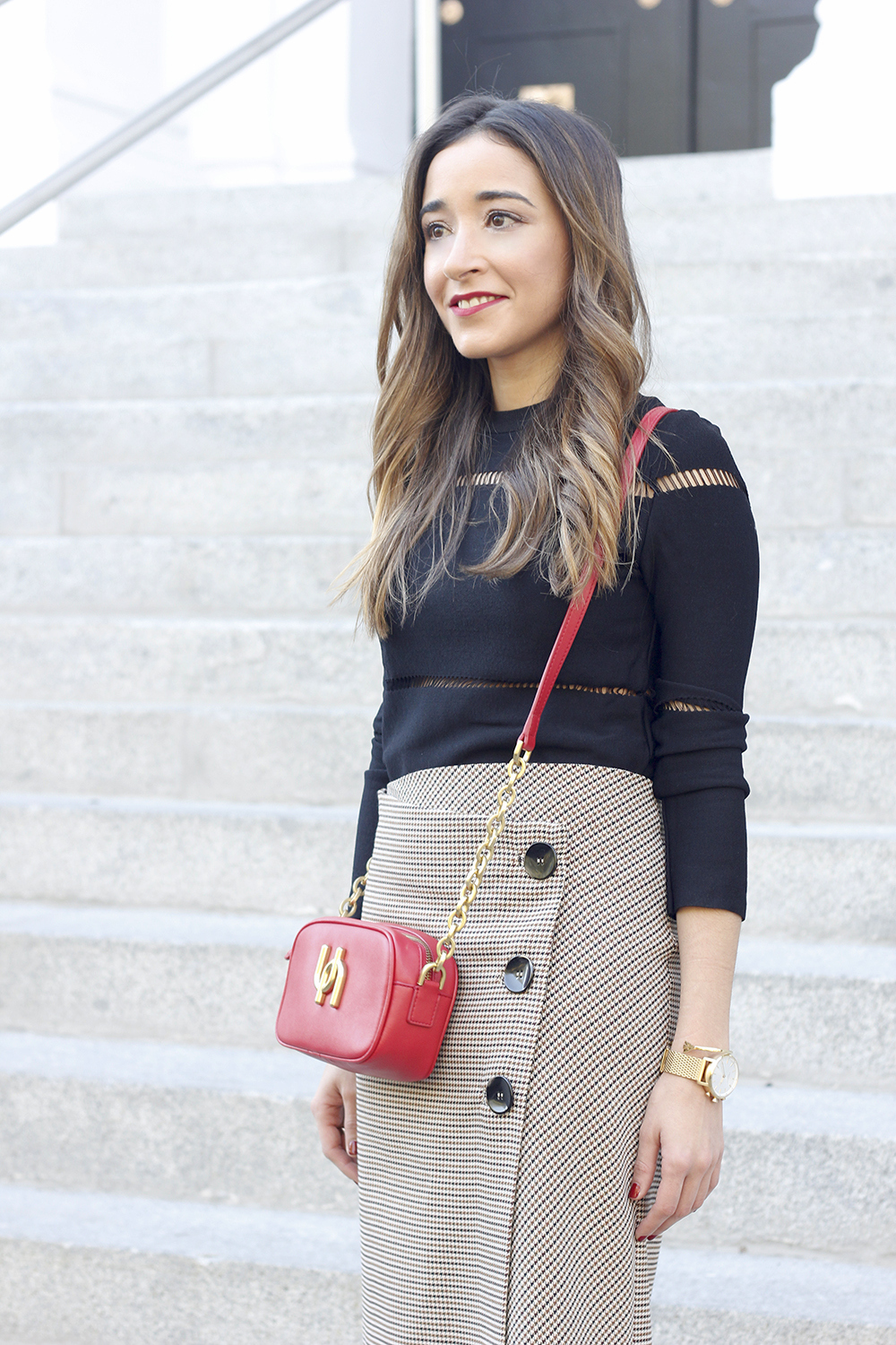 houndstooth skirt zara over the knee boots fall outfit uterqüe street style08