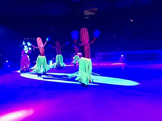 Mickey & his brooms - Disney On Ice: Follow Your Heart