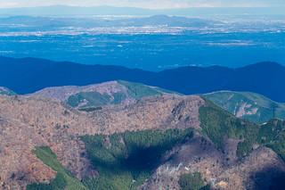 なだらかなピークの武川岳、その手前の尾根はウノタワや鳥首峠@三ッドッケ