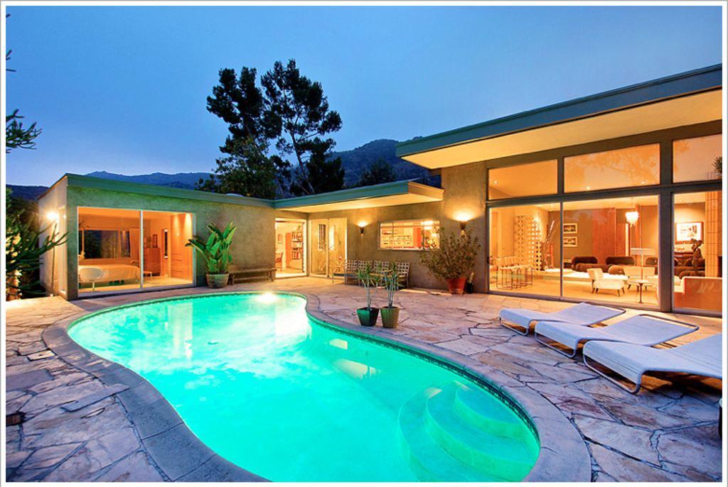 6207 Mulholland Hwy,Los Angeles,California 90068,4 Bedrooms Bedrooms,3 BathroomsBathrooms,Apartment,Mulholland Hwy,5904