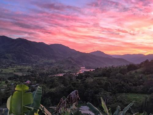 valledelasluciérnagas ecuador landscape