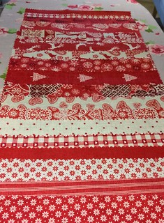 Christmas Table Runner and Place Mats