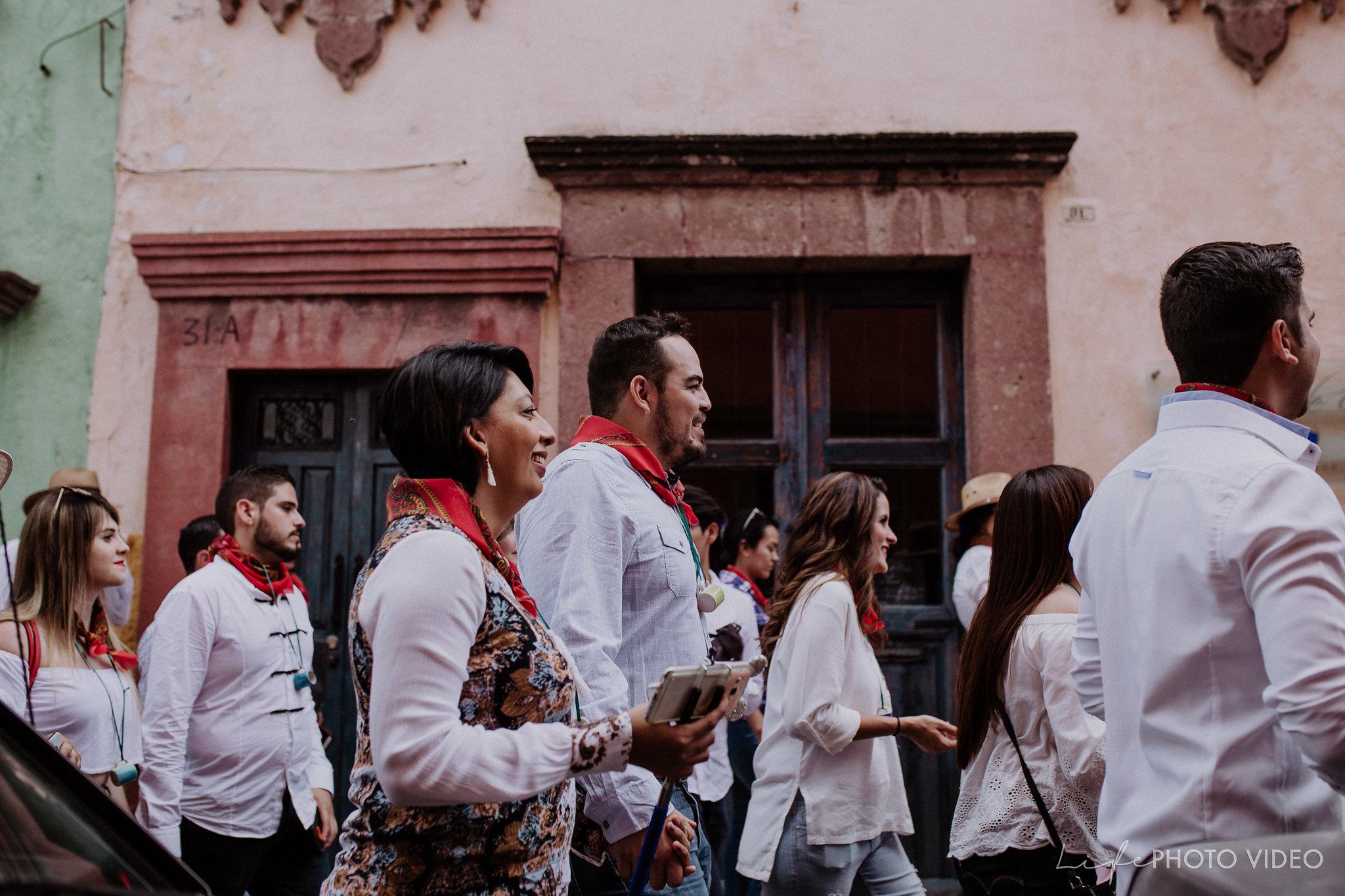 SanMigueldeAllende_Wedding_Callejoneada_Vaquillada_0069