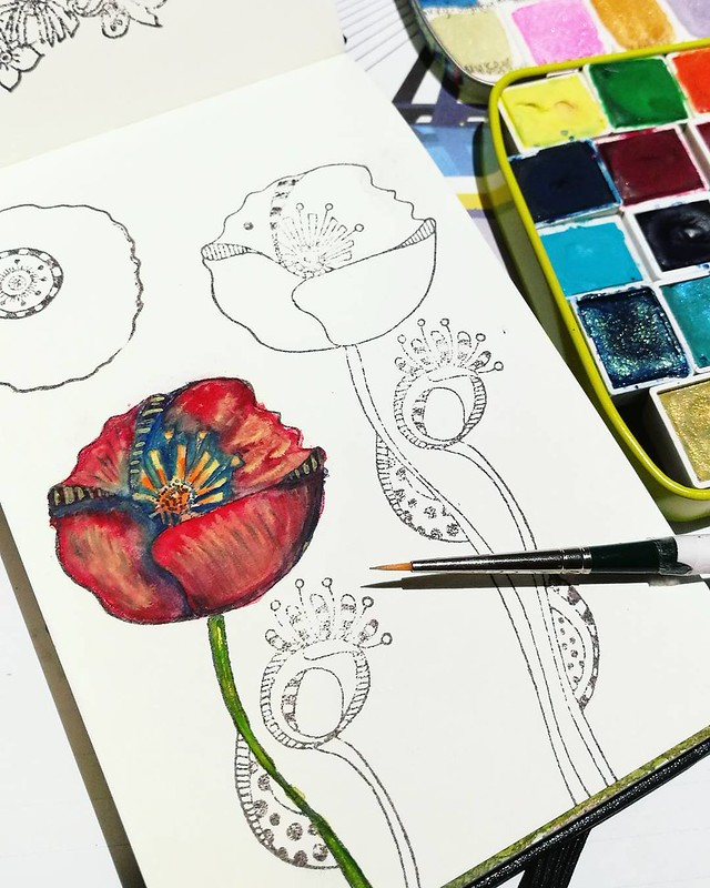 Absolutely in love with my new detail brush! Poppies are stamps from @carabellestudio #watercolorpaint #watercolorpractice #watercolor #watercolourart #watercolour #aquarelle #davincibrushes #poppies #moleskineart #practice #paintepicshit