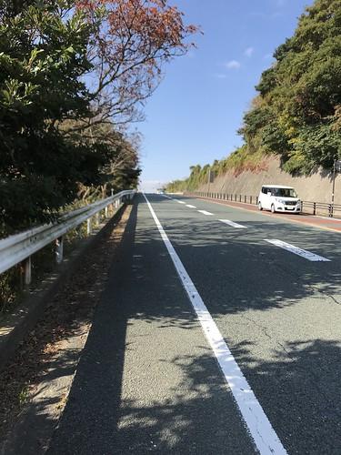 静岡県の走り納めは登坂車線有りの登り坂。さすが魔境