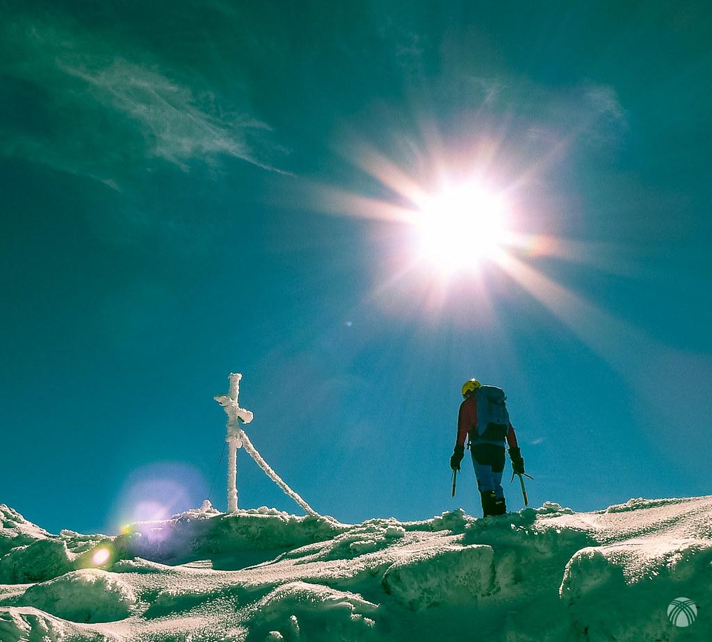 La cruz de la cumbre