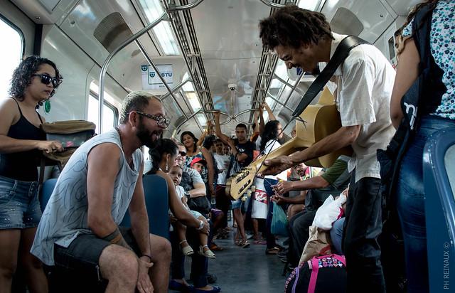 Repórter fotográfico do Brasil de Fato Pernambuco acompanhou a dupla Yalle e Batatinha durante parte da jornada de trabalho - Créditos: PH Reinaux